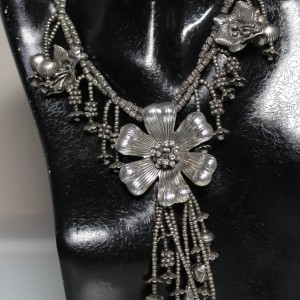 Ogrlica 1